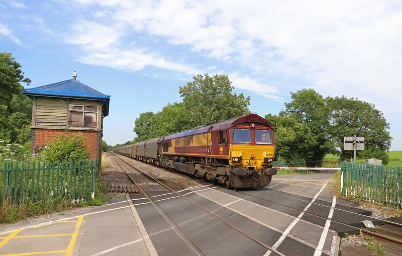 66079, 14.27 Round Oak-Margam, Awre level crossing, near Blakeney, Gloucestershire, 5-7-19. No trespass involved.