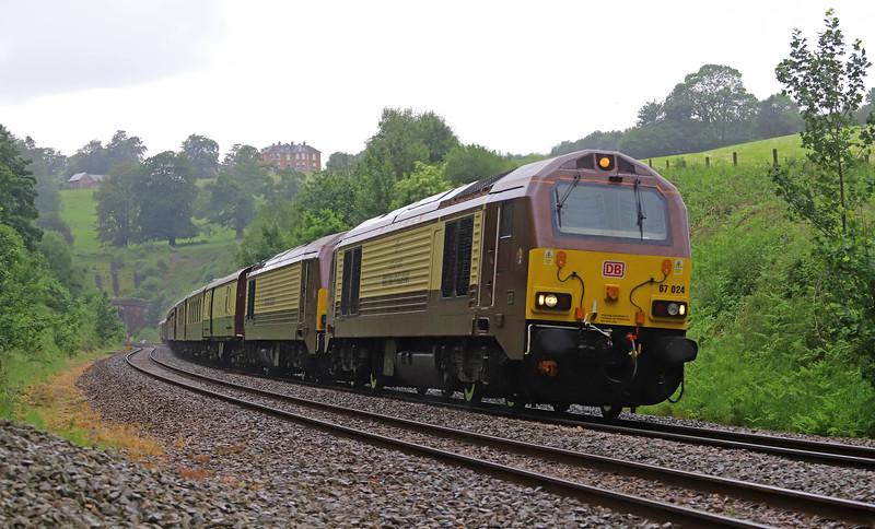 67024/67021, 12.05 Truro-London Victoria, via Taunton and Reading, Belmond British Pullman, Marlands, near Wellington, 2-6-19.