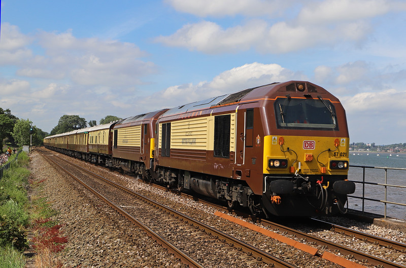 67021/67024, 10.16 London Victoria-Truro, via Reading and Taunton, first leg of weekend Belmond British Pullman tour of Westcountry, Powderham, near Starcross, 31-5-19.