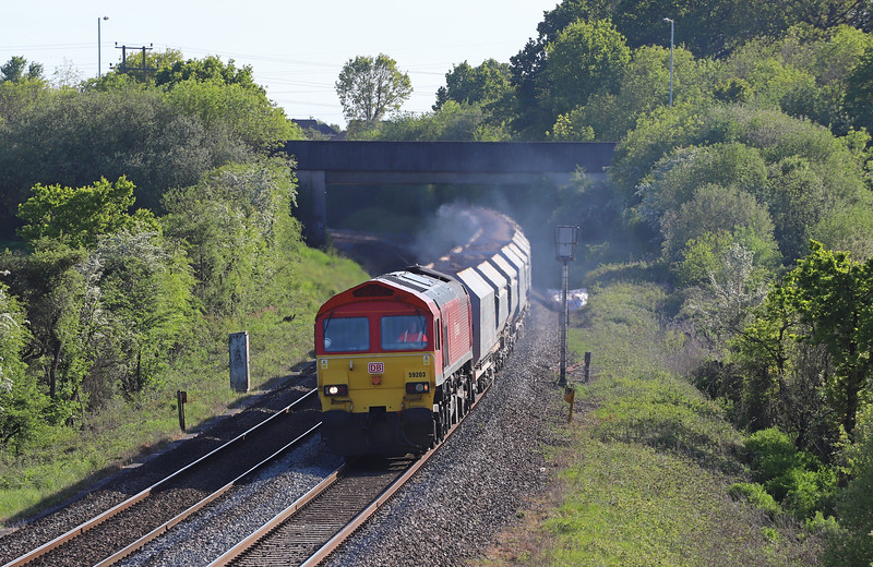 59203, 17.05 Merehead Quarry-Acton Yard, Berkley Marsh, near Frome, 14-5-19.