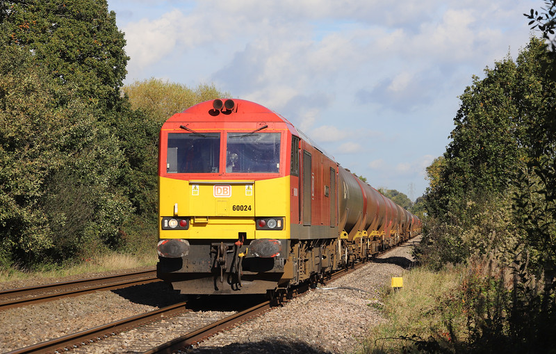 60024, 11.15 Westerleigh-Robeston, Awre Level Crossing, Gloucesteshire, 22-10-19.