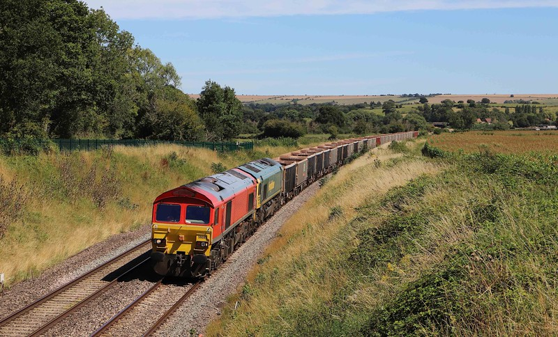 59205/66546, 12.41 London Acton Yard-Merehead Quarry, Great Cheverell (Wilts), 30-7-20.