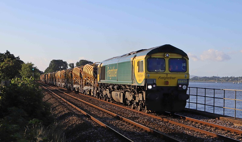 66414/66596,  top-and-tail 17.52 Taunton Fairwater Yard-Totnes, Powderham, near Starcross, 6-7-20.
