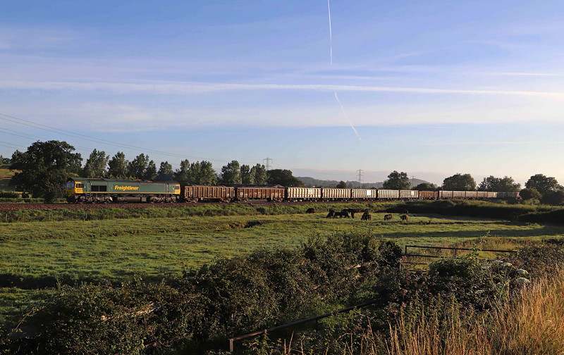 66605, 05.18 Westbury Yard-Exeter Riverside Yard, Pugham Crossing, near Burlescombe, 29-7-20.