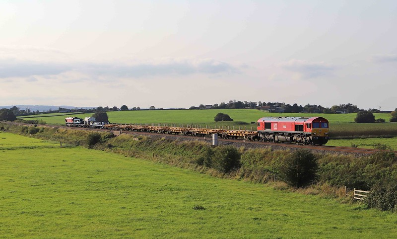 66175/66085, topping and tailing15.00 Lostwithiel-Westbury Yard, Oath, near Langport, 13-9-20.<br /> <br /> SHOW MORE