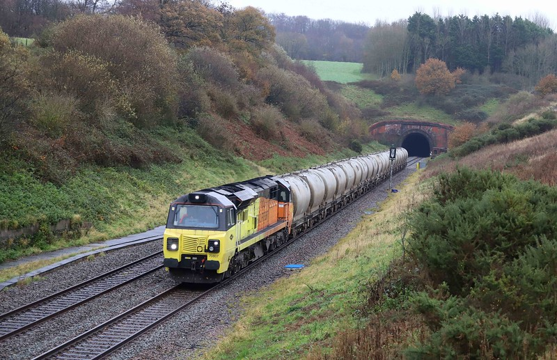 70807, 05.33 Aberthaw Cement Works-Moorswater, Whiteball, 18-11-20. Diverted via Gloucester; Patchway bridge replacement works.