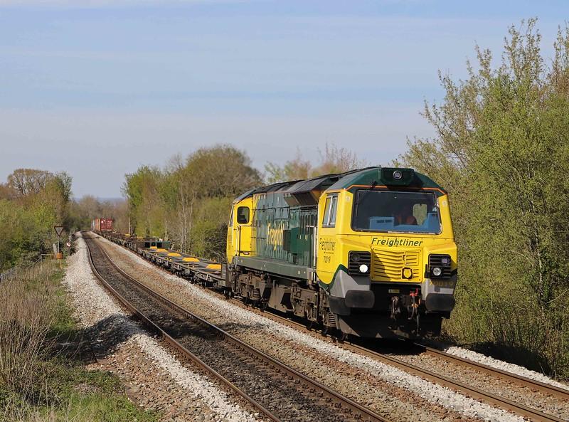 70019, 13.29 Cardiff Wentloog-Southampton Maritime, Dilton Marsh Station, near Westbury, 26-4-21.