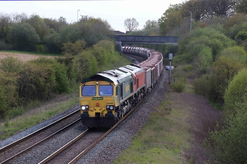 66565/59204, 17.05 Merehead Quarry-Hanwell Bridge Loop, near Reading, Berkley, near Frome, 7-5-21.