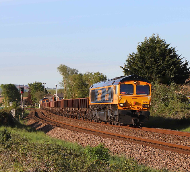 66702/66774, topping and tailing 17.10 Westbury Yard-Crediton, Stoke Canon, near Exeter, 27-5-21.