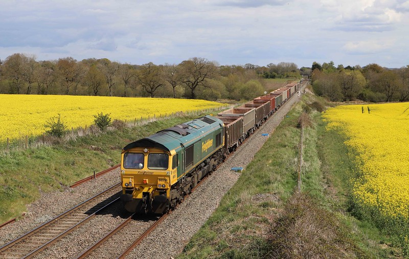 66516, 11.45 Oxford Banbury Road Sidings-Whatley Quarry, Woodborough, near Pewsey, 7-5-21. Late, ran through down loop.