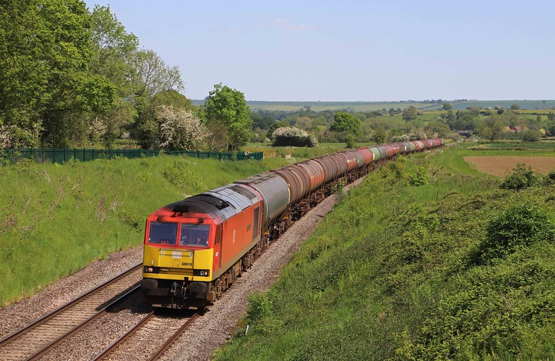 60019, 13.35 Theale Murco-Robeston Sidings, Witchcombe, Great Cheverell, near Devizes, 1-6-21. 20min early.