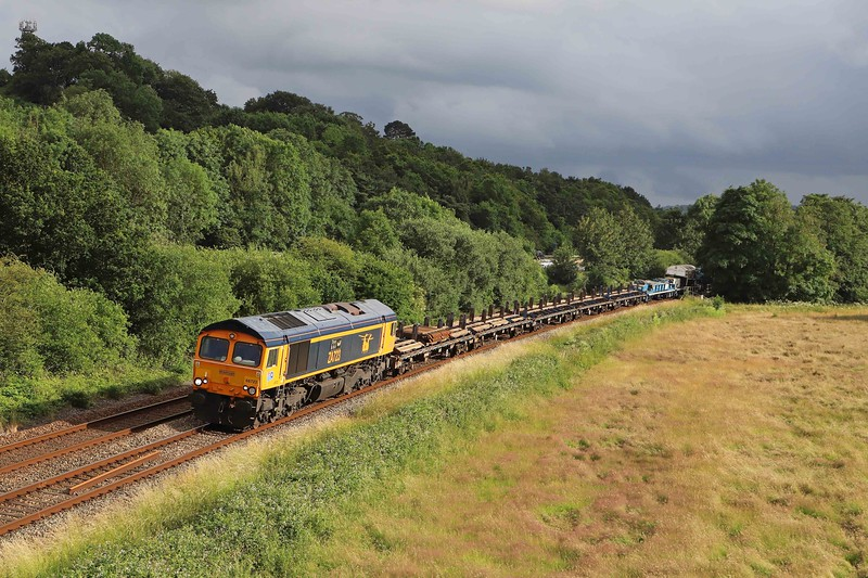66723/66850, top-and-tail 15.05 Lostwithiel-Westbury Yard, Willand, near Tiverton, 4-7-21. Returning from weekend work on the Fowey branch.