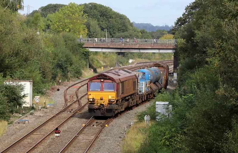 66116/66098, top-and-tail 08.50 Westbury-St Blazey RHTT, via Salisbury, departing Tiverton down loop, Willand, near Tiverton,, 11-10-21.
