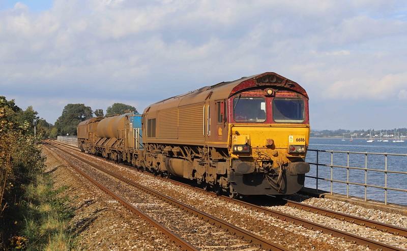 66116/66098, 08.50 Westbury-St Blazey, via Salisbury, Powderham, near Starcross, 14-10-21.