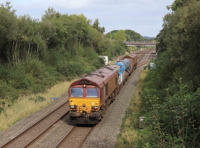 66116/66098, top-and-tail 08.50 Westbury-St Blazey RHTT, via Salisbury, departing Tiverton down loop, Willand, near Tiverton, 11-10-21.
