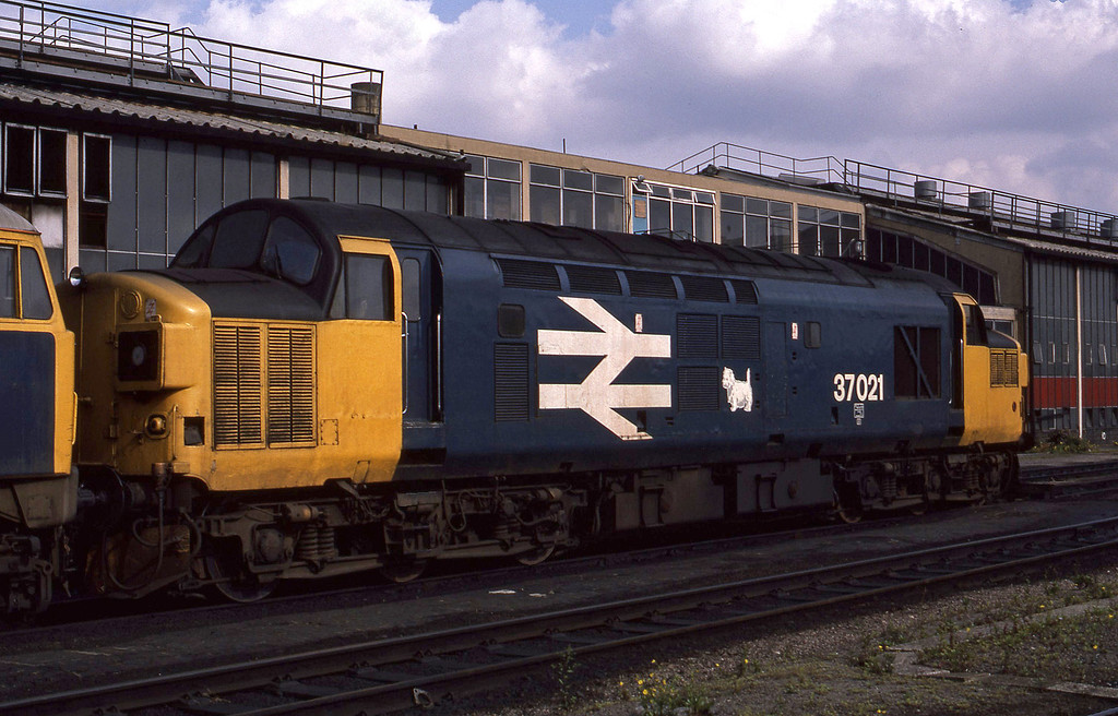 37021, stabled, London Stratford TMD, 13-9-86.