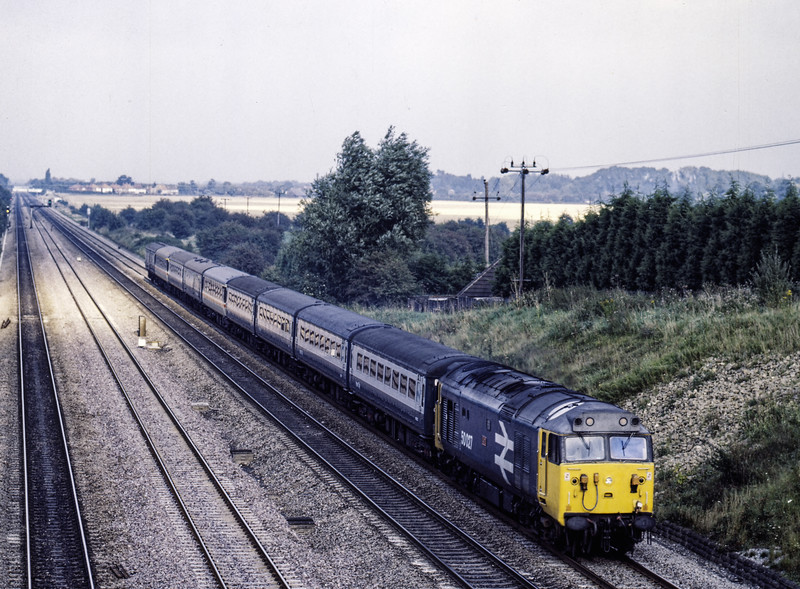 50027 at Southbury Lane, Ruscombe, with the 16:10 Paddington - Oxford, <br /> on 17th September 1985. Scanned Transparency.