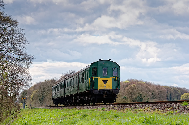 1125 passing Ropley Down Distant signal, with the 13:55 Alresford - Alton,<br /> during the Diesel Gala on 23rd April 2016.