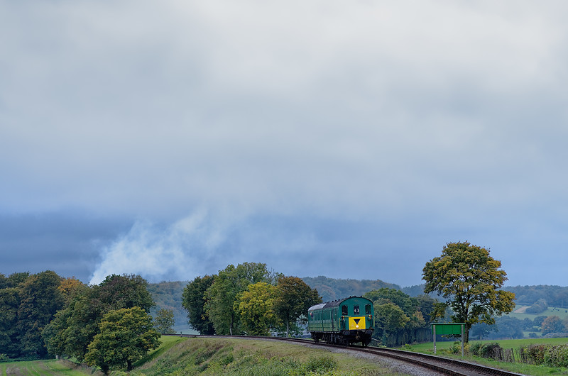1125 on Wanders Curve with the 15:45 Alresford - Alton on 19th October 2013.
