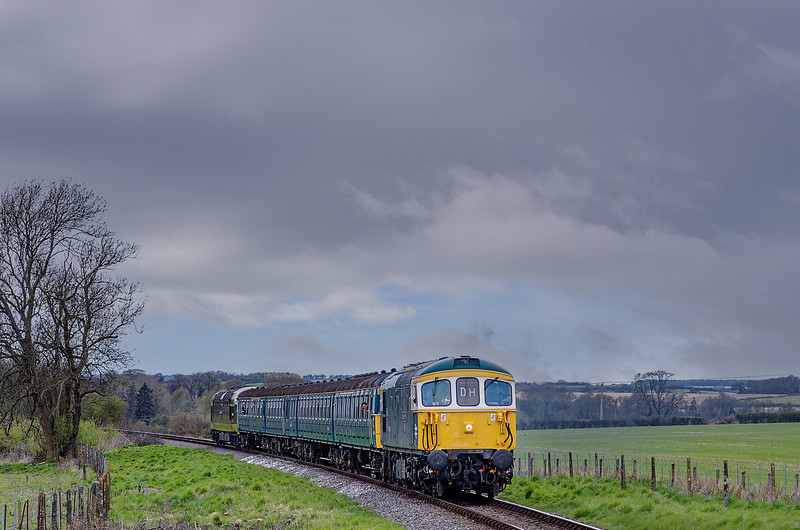 33109, 4-VEP 3417 and 55009 on Black Barn Curve, with the 17:05 Alresford - Alton, <br /> on 28th April 2013.