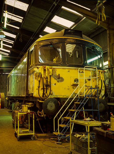 33109 undergoing bodywork repairs in Ropley shed, on 3rd September 1998.  <br /> Scanned Transparency.