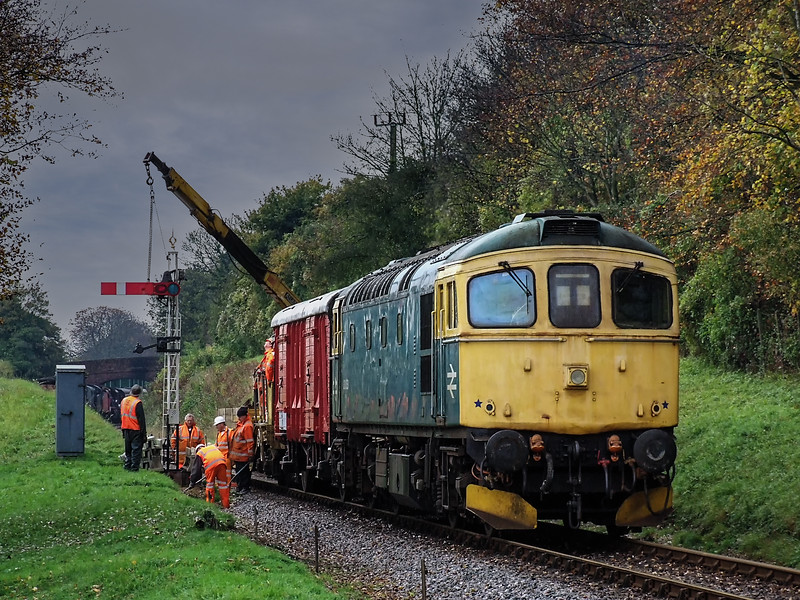33053 standing by at College Crossing, while the S & T gang are working on the Ropley Down Home signal, on 6th November 2011.