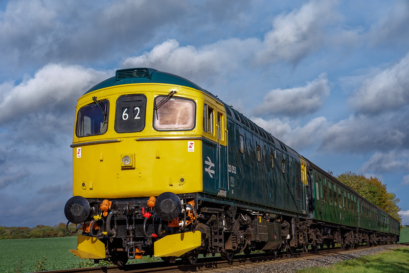 33053 at Rookwood Lane, with the 14:00 Alton - Alresford, on 27th October 2016.