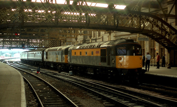 26001 & 26002 sit at Perth before removal in favour of 37153 because 26002 failed. 07.09.91