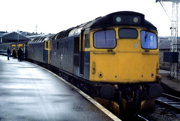 27007 at Inverness on the 1700 to Edinburgh. This train was booked a pilot loco as far as Perth.