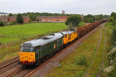 31601 leads ex-Network Rail liveried 31602 on the 6Z31 Chaddesden to Cardiff Tidal empty box wagons at Branston on the 1st September 2012