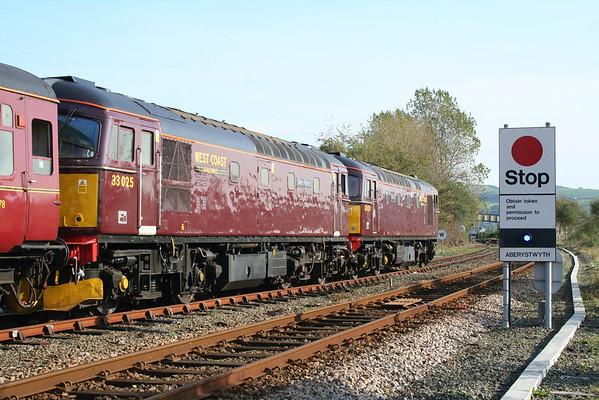 33025 & 33029 await departure from Aberystwyth. 18.10.06