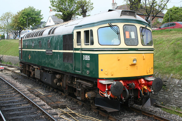 33012 at Swanage before working the 1150 to Norden. 09.05.08