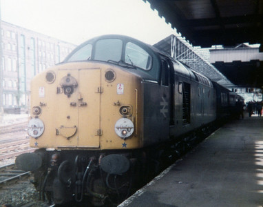 40006 at Huddersfield on 1M71 0900 York - Llandudno. 24.07.82
