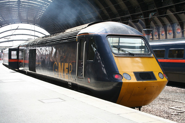 43006 at York on 1E12 0755 Inverness - London Kings Cross. 04.04.06
