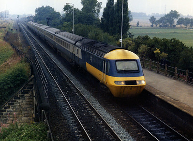 43xxx rushes through Micklefield on a cross country service.