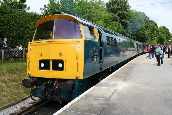 D1023 arrived at Oxenhope on the 1415 from Keighley. 06.06.08