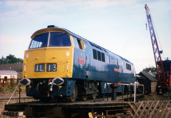 D1013 on the turntable at Wansford. 07.10.90