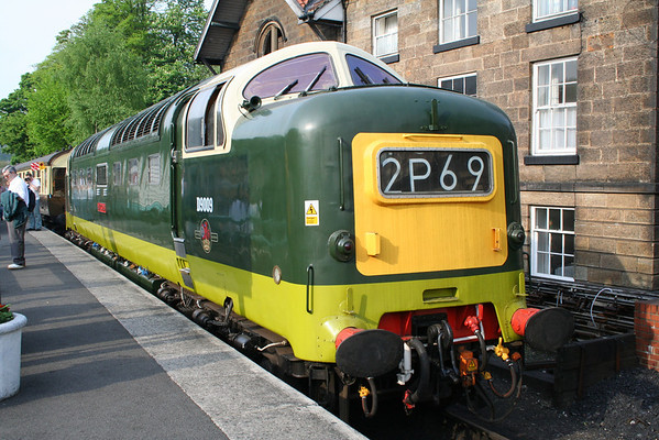 55009 relaxes in the sun at Grosmont. 10.05.08