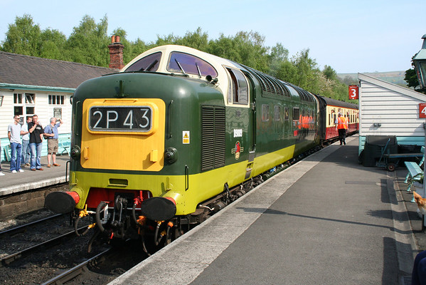 55009 sits at Grosmont awaiting departure time on the 1000 to Pickering. 10.05.08