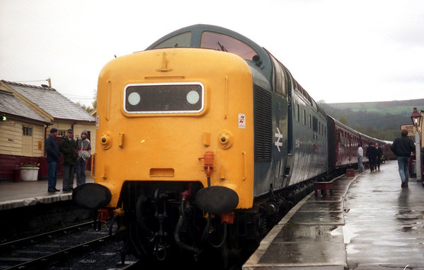 55015 at Grosmont on the 1520 to Pickering. 23.04.89