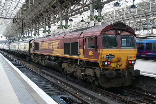 """66007 at Manchester Piccadilly on Pathfinder Tours """"The Mersey Mancunian"""". 24.01.09"""