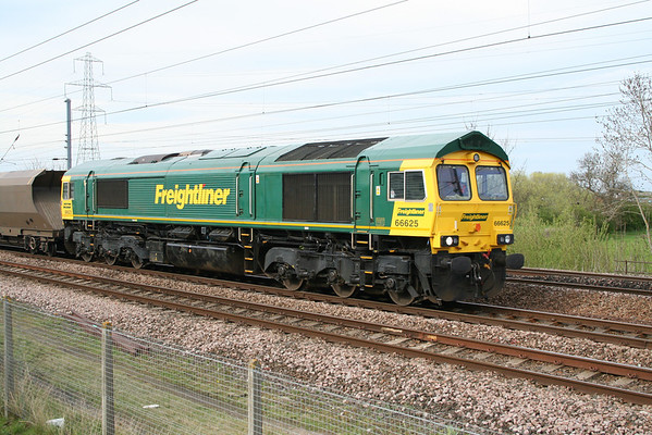 A rather clean 66625 passes on 6C11 1315 Redcar FLT-York Up Reception. 26.04.08