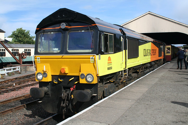 66850 at Bo'ness on the 1610 to Manuel. 29.07.12