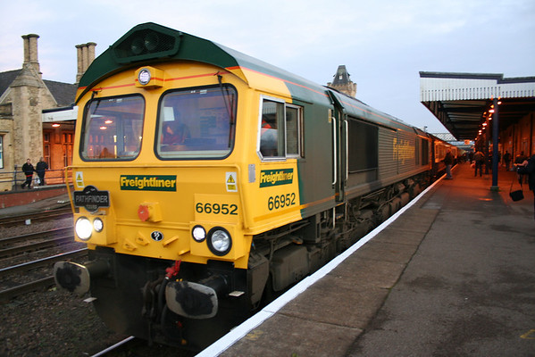 """66952 awaits departure from Lincoln on Pathfinder Tours """"The Holly and the Ivy"""" tour. 10.12.05"""