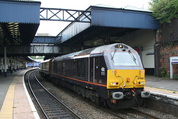 67005 at Cheltenham Spa on 1Z95 0901 London Victoria - Worcester Shrub Hill. 02.07.11