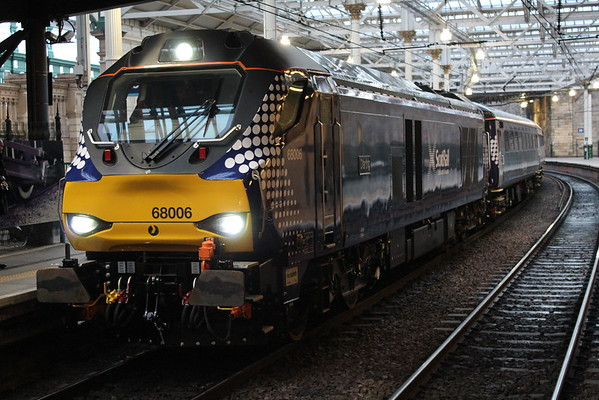68006 at Edinburgh on arrival of 2K14 1814 from Glenrothes for Thornton. 01.04.15