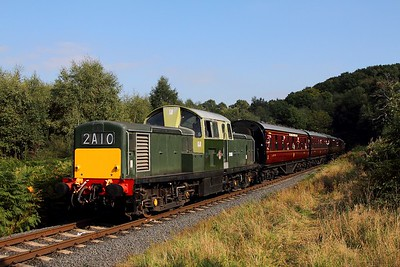 D8568 on the 1347 Kidderminster to Bridgnorth at Foley Park on the 2nd October 2015