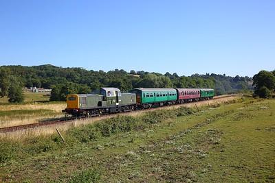 D8568 on the 2J05 Tunbridge Wells west to Eridge at Pokehill farm on the 3rd August 2018