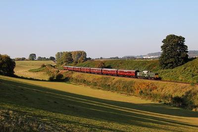 D8568 on the 1606 Kidderminster to Bridgnorth at Eardington on the 2nd October 2015