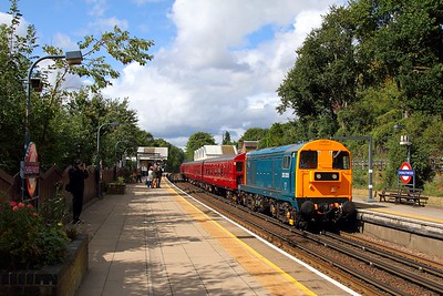 20205+4 TC set+20142+9466+Steam Loco Met No 1 at Chorleywood with 1342 Amersham to Harrow-on-the-Hill on the 9th September 2017